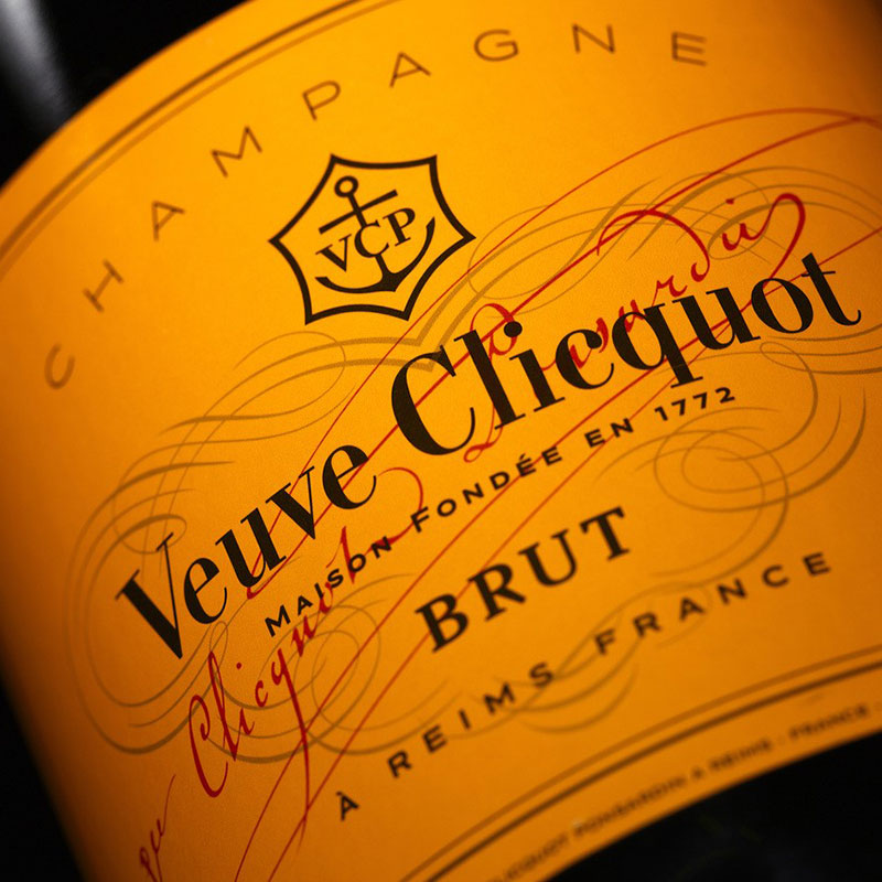 Veuve Clicquot Ponsardin Brut 75CL in geschenkverpakking