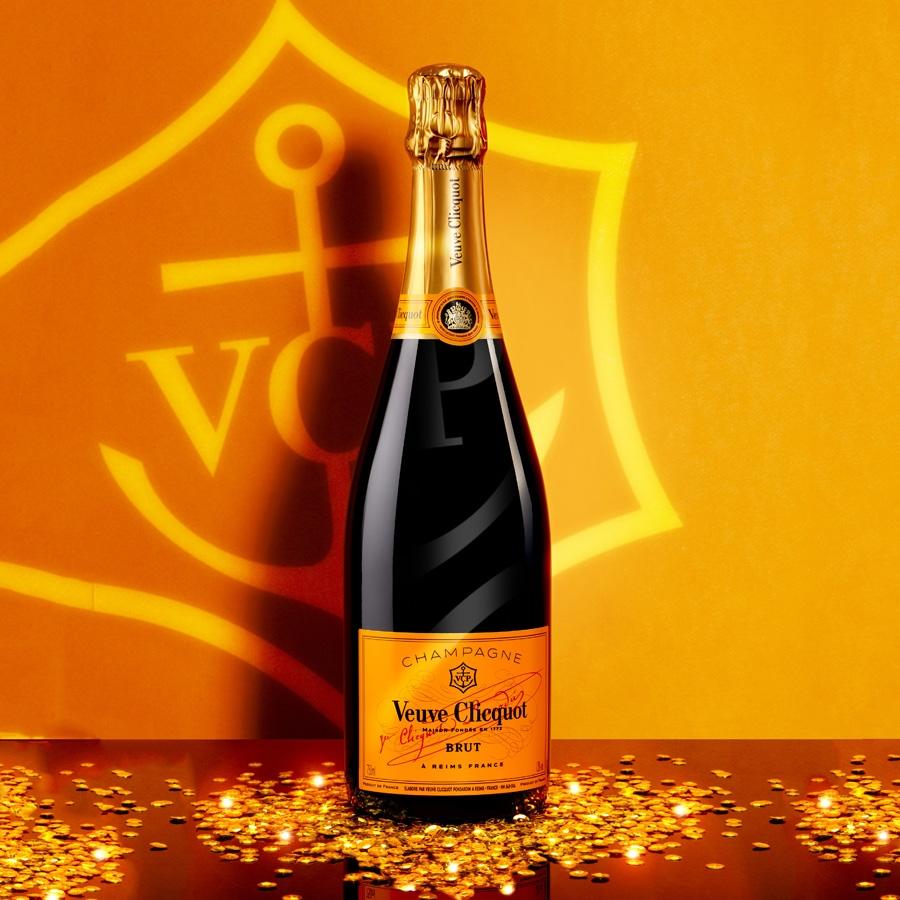 Veuve Clicquot Brut 75CL in Luxe Geschenkbox met 2 champagneglazen